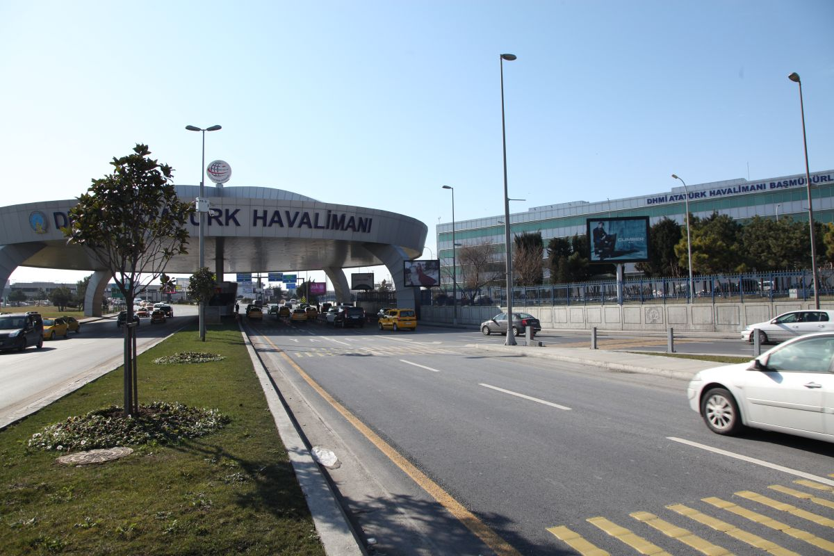 Durukan Reklam Ataturk Havalimani Pano A-09