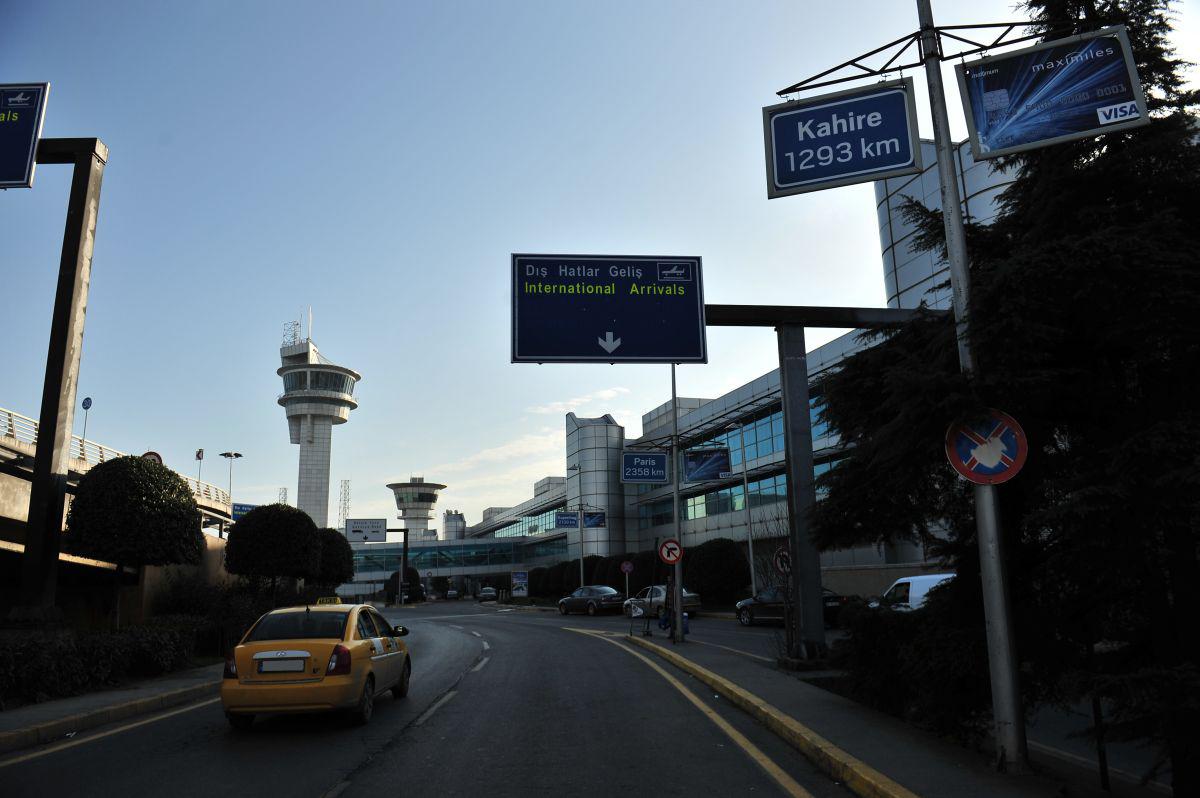 Durukan Reklam Ataturk Havalimani Pano A-19
