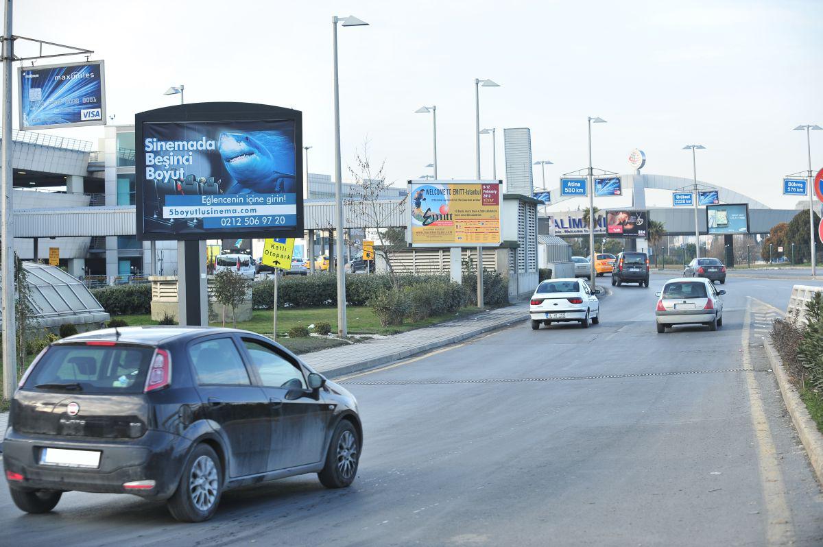 Durukan Reklam Ataturk Havalimani Pano A-20