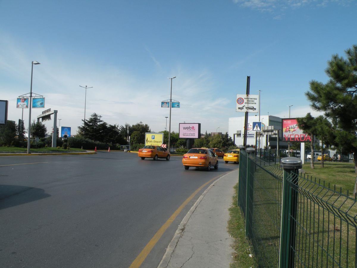Durukan Reklam Ataturk Havalimani Pano L-04